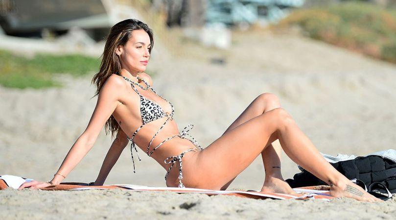 Marianne Fonseca Beautiful Body In Bikini