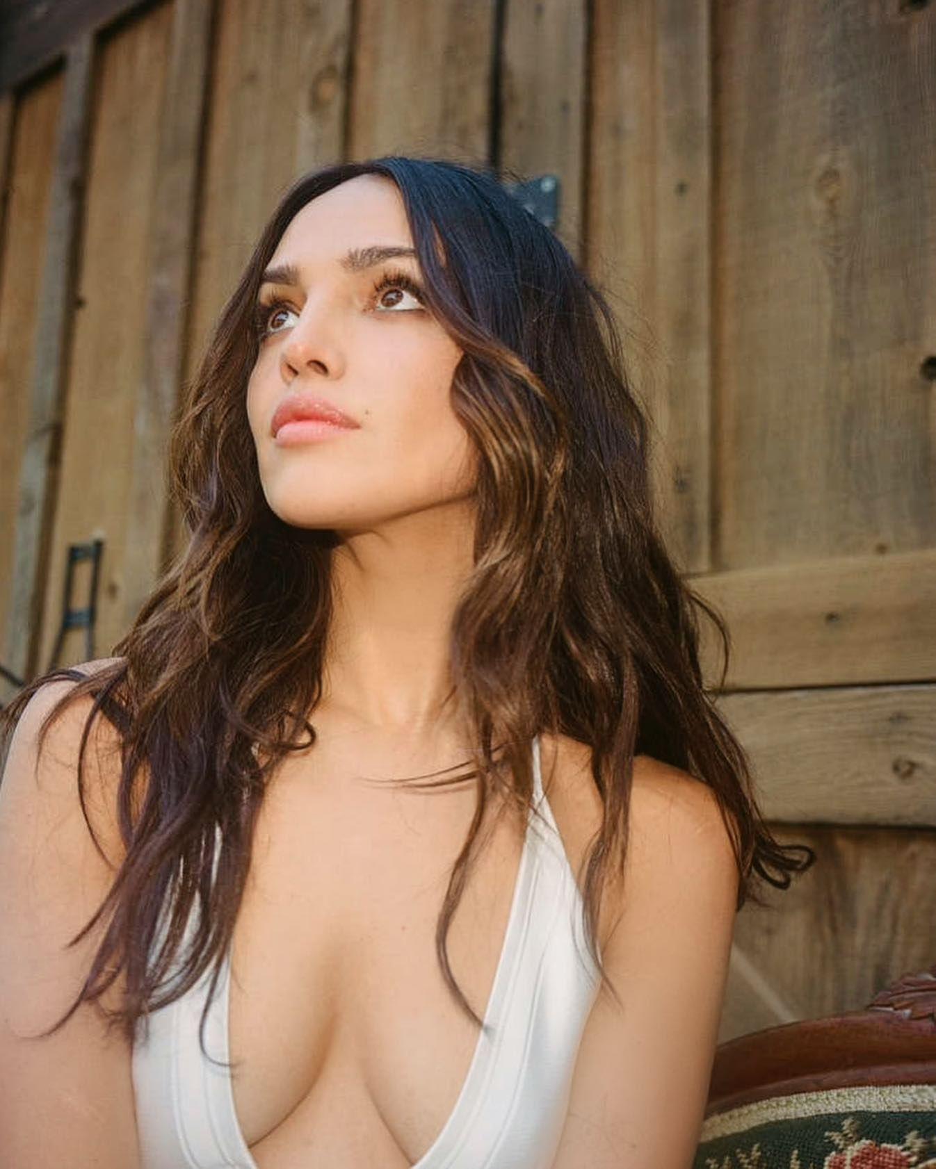Eiza Gonzalez Sexy Pics