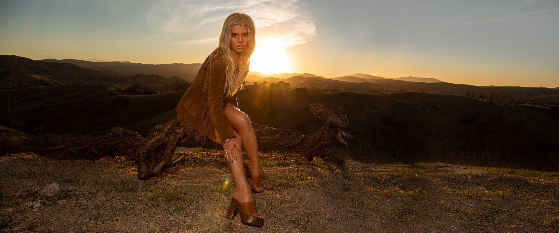 Jessica Simpson Leggy