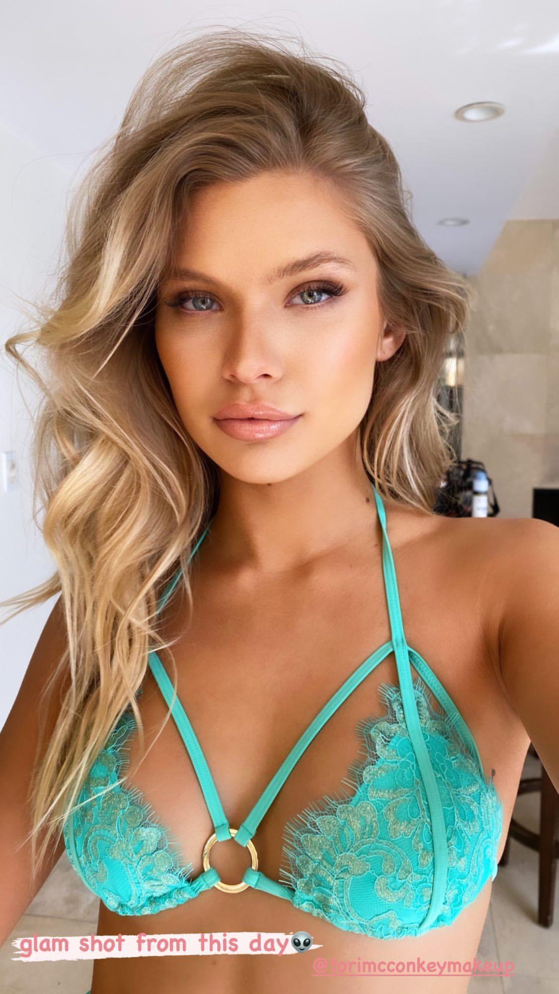 Josie Canseco Sexy In Bikini