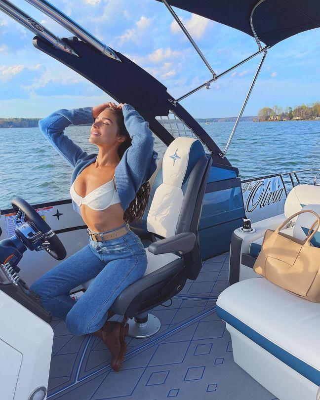 Olivia Culpo Gorgeous On Yacht