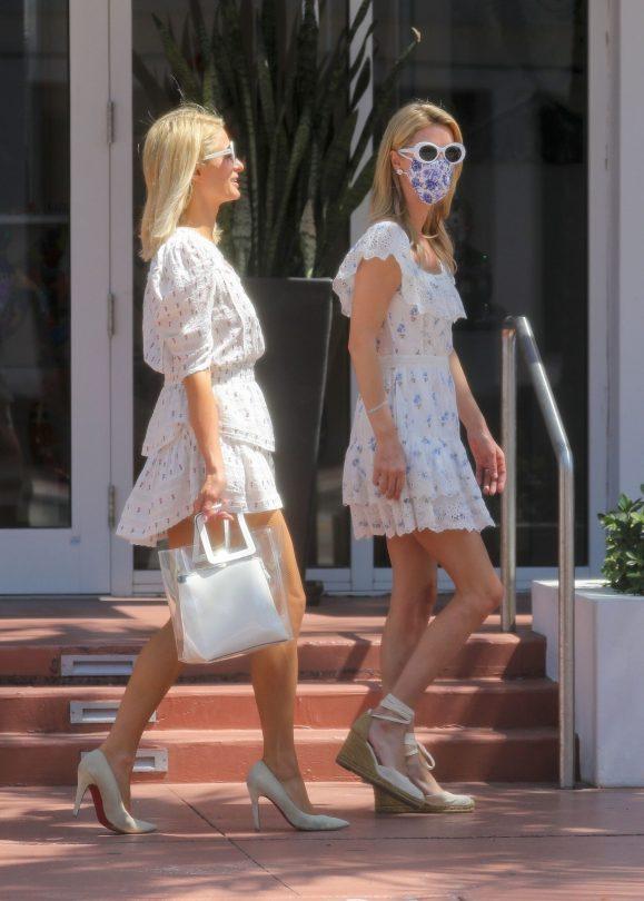 Paris And Nicky Hilton Leggy