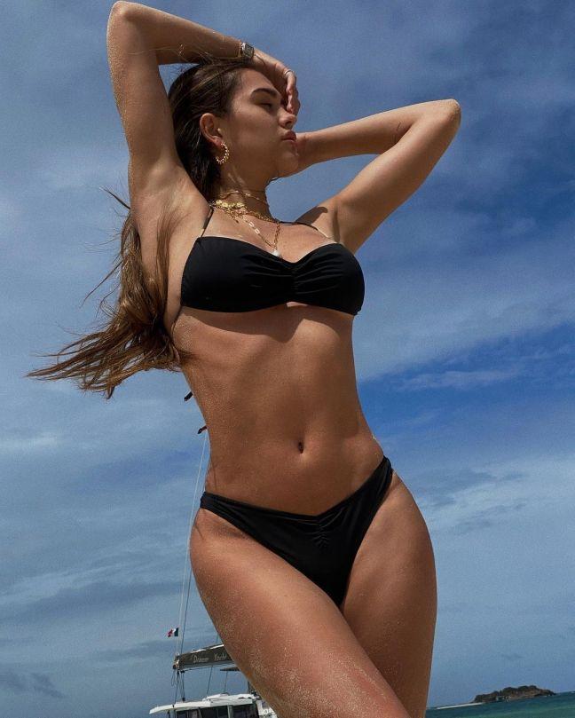 Amelia Gray Hamlin Beautiful Bikini Body