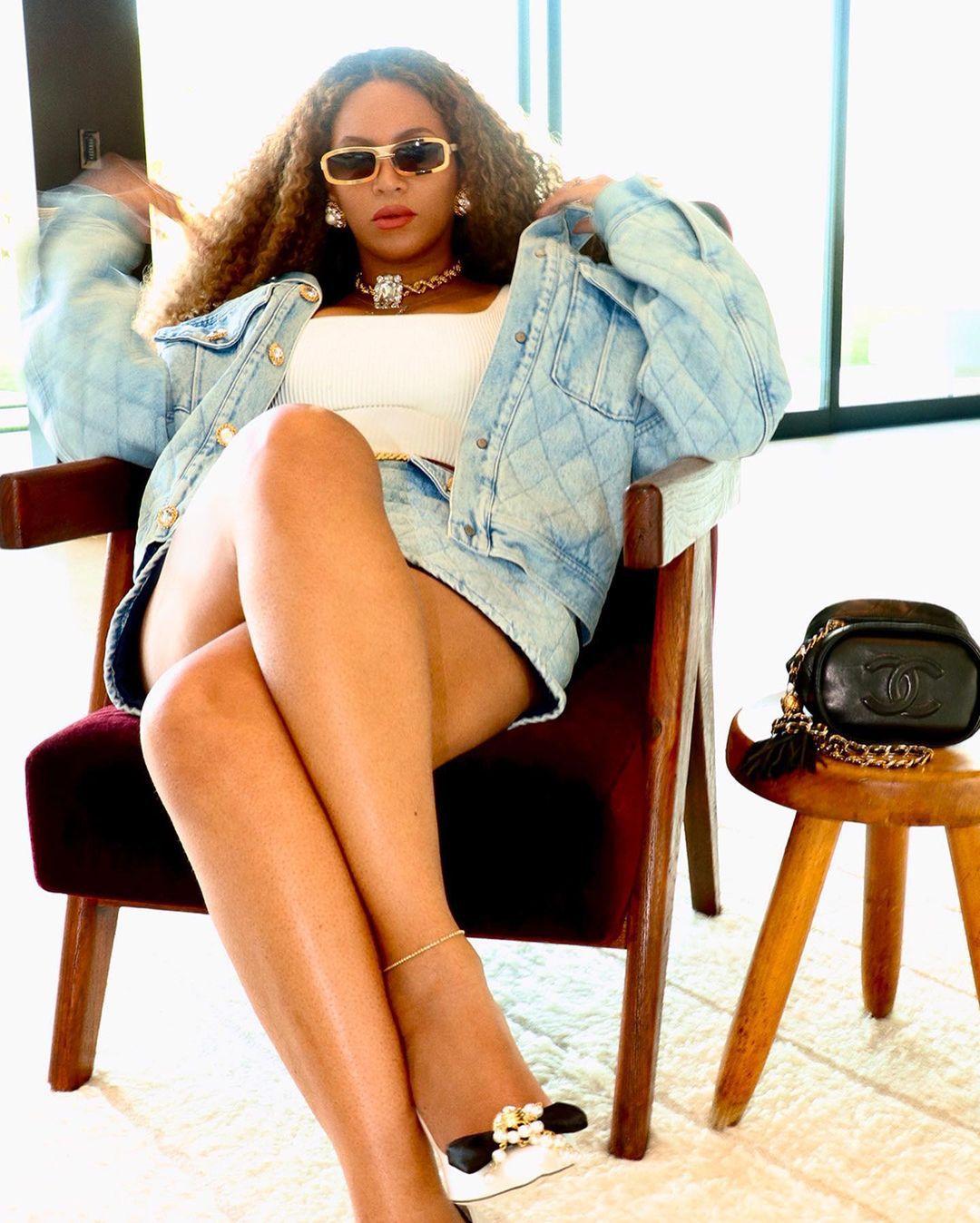 Beyonce Sexy Legs