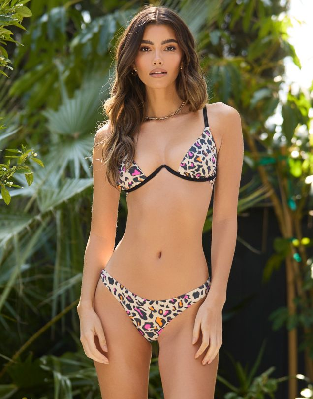 Cindy Mello Sexy Bikini