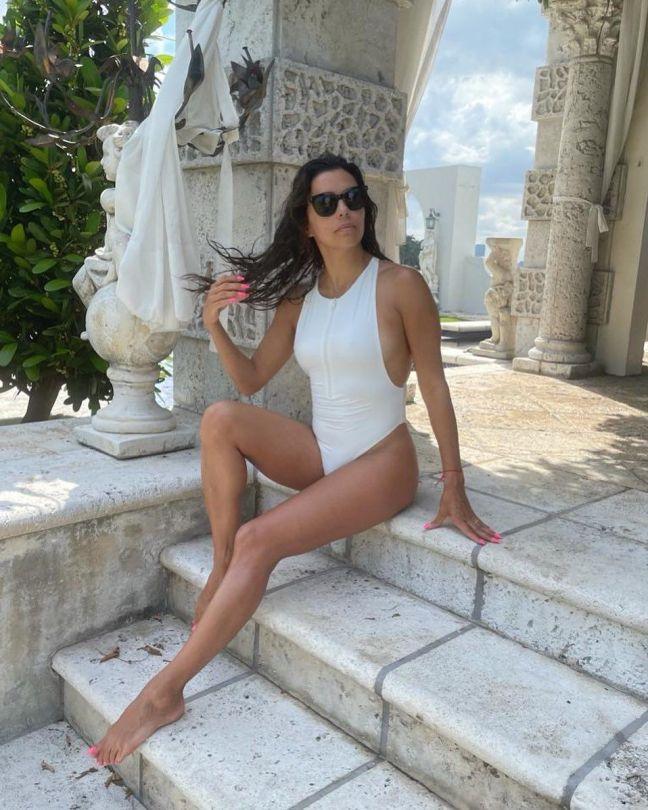 Eva Longoria In Swimsuit