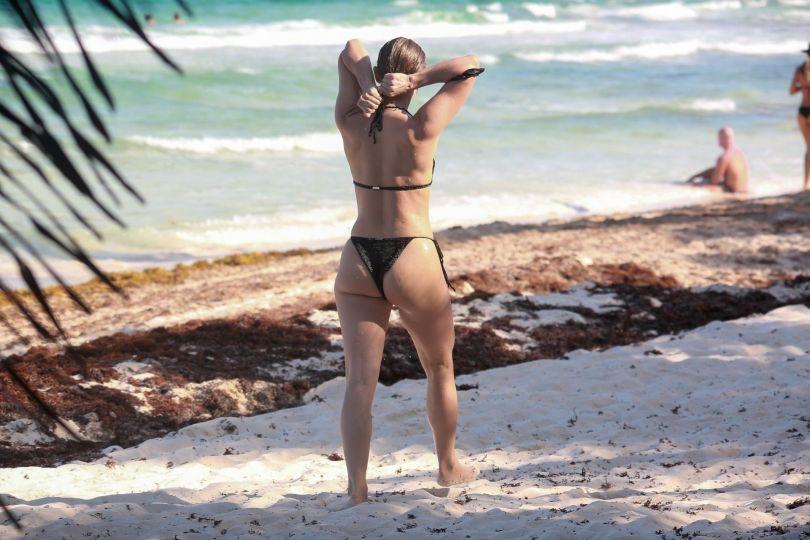 Julianne Hough Sexy In Bikini