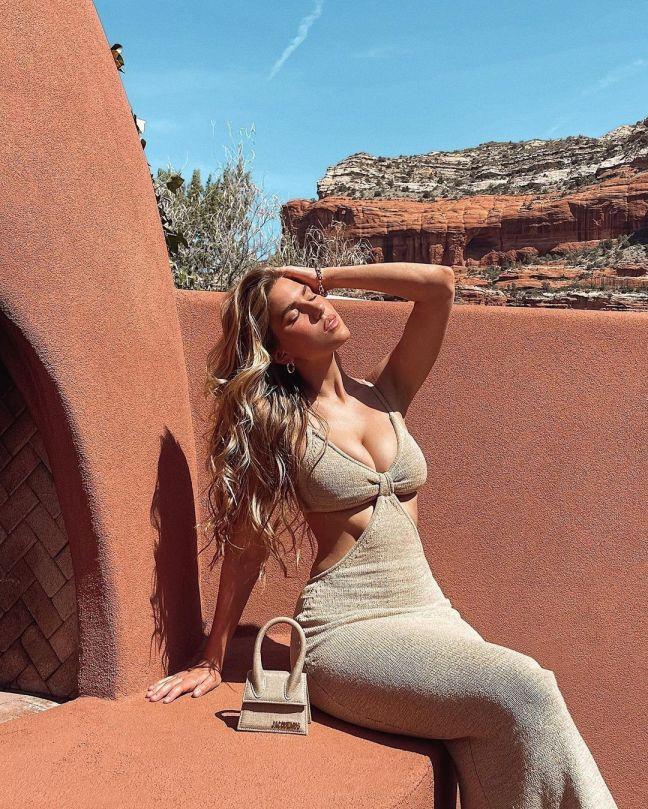 Kara Del Toro Gorgeous Body And Boobs
