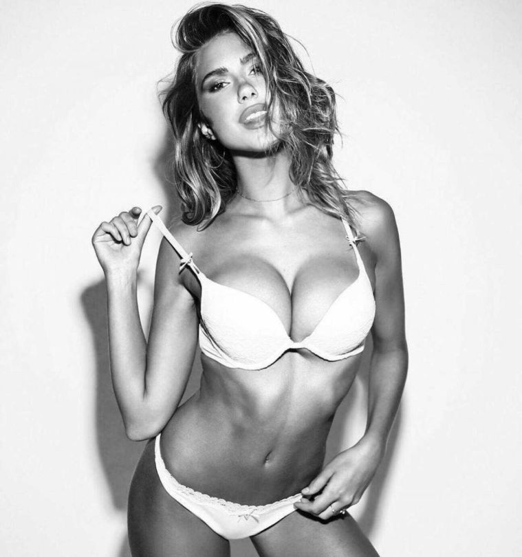 Kara Del Toro Stunning Boobs