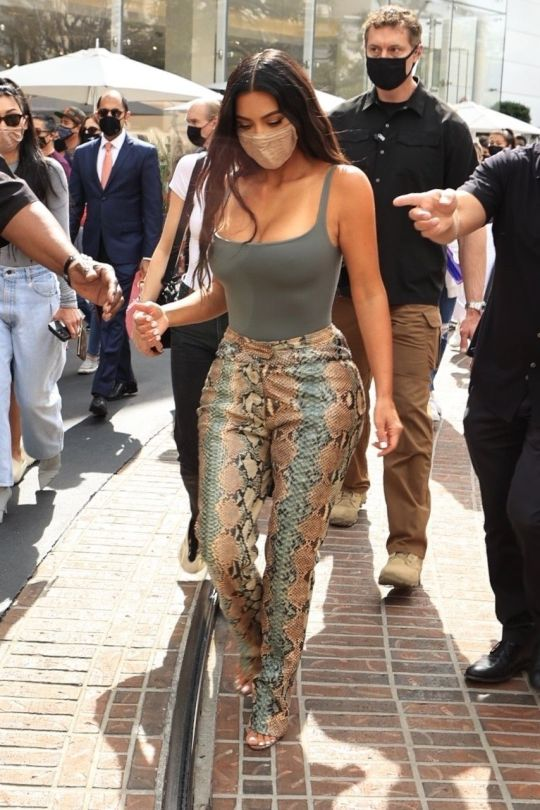 Kim Kardashian Beautiful Braless Tits