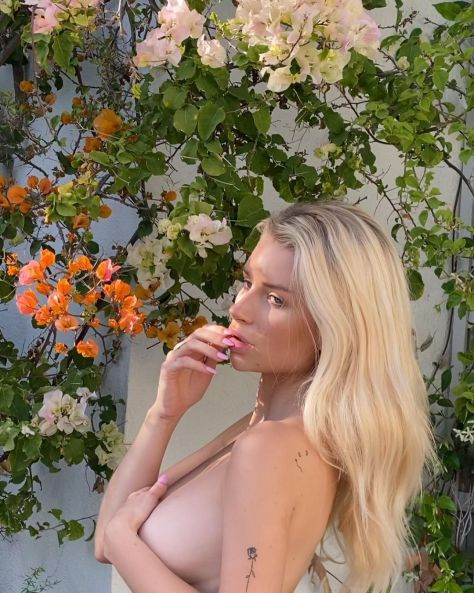 Lottie Moss Naked
