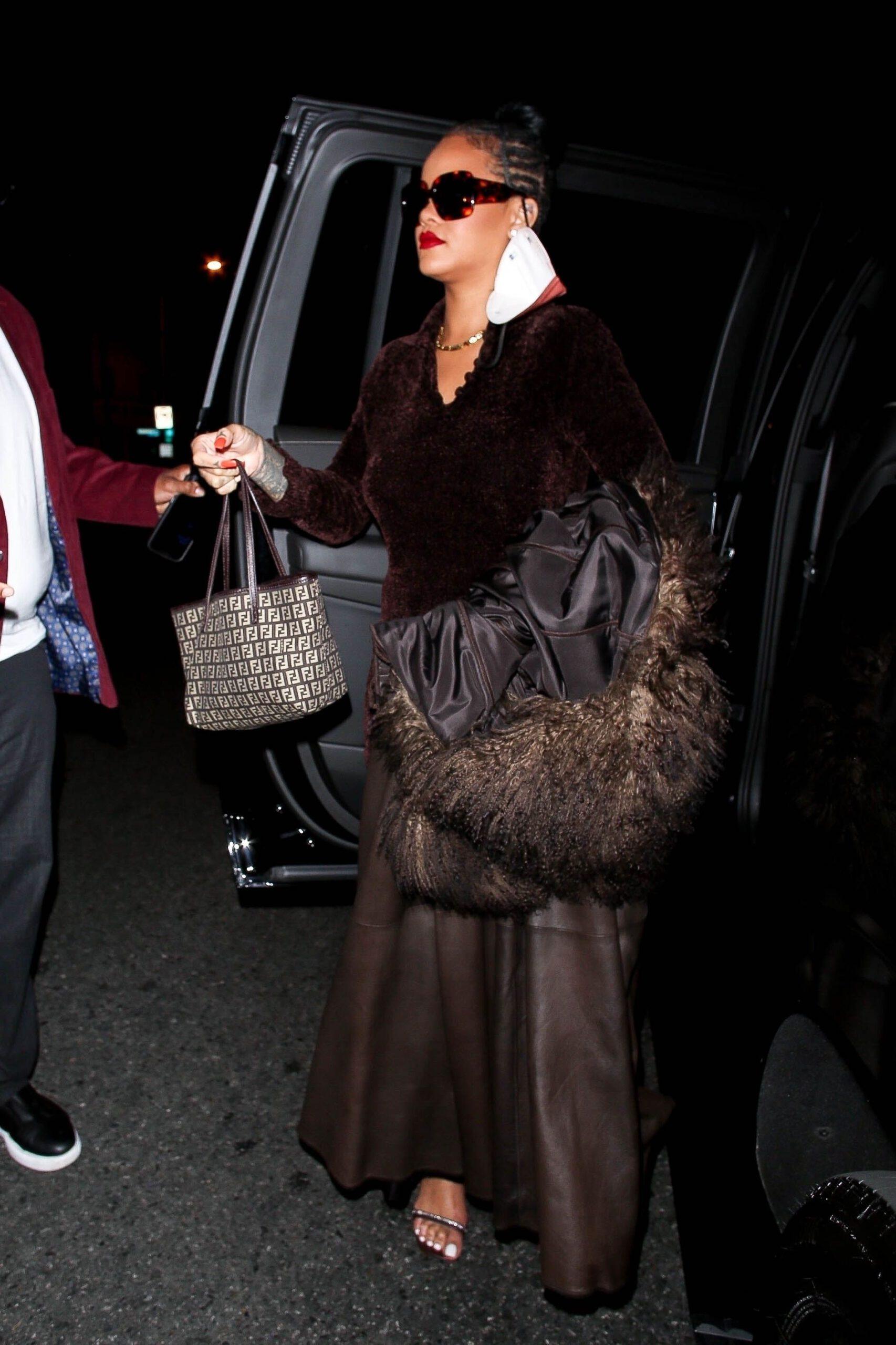 Rihanna Beautiful Legs