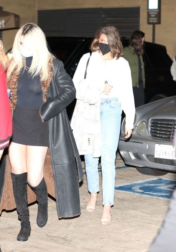 Selena Gomez Braless Leggy