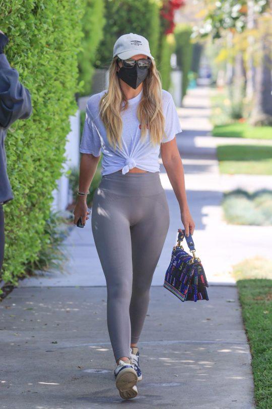 Sofia Richie Sexy Body