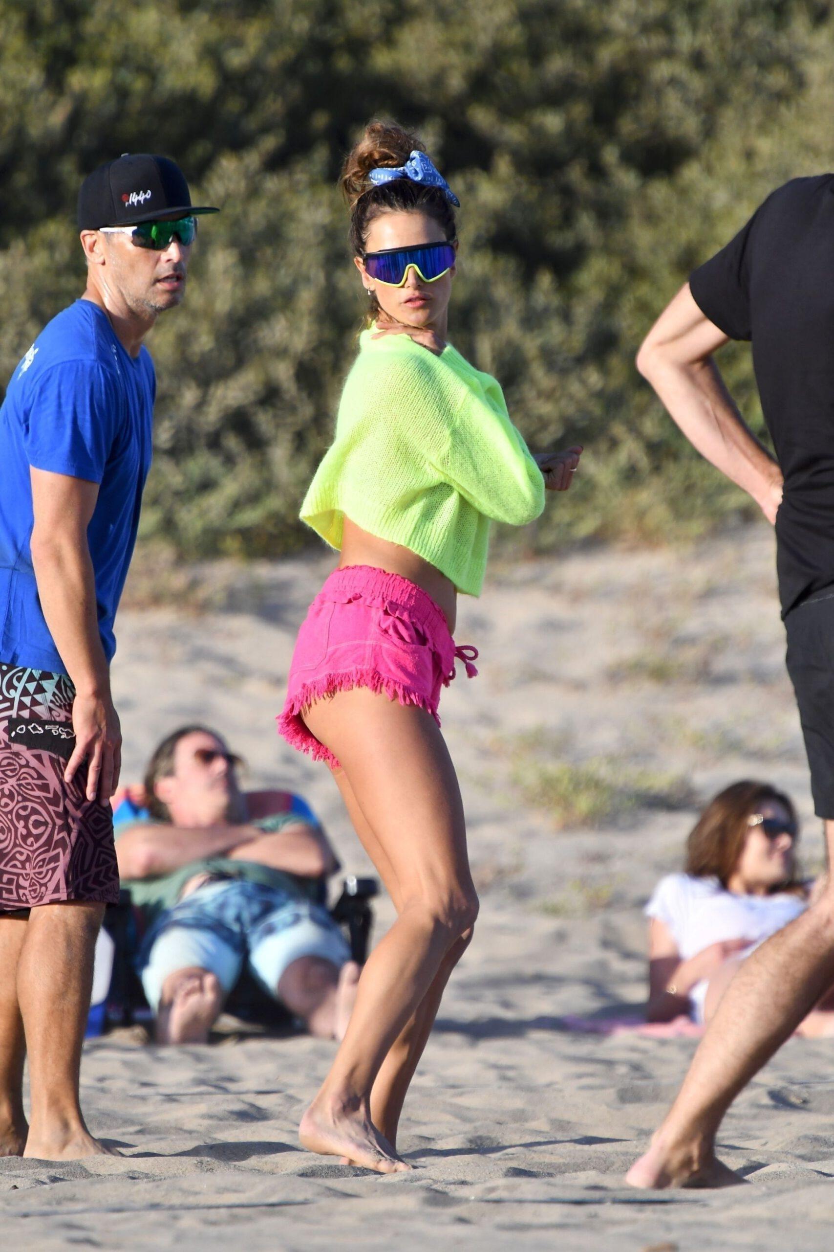 Alessandra Ambrosio On Beach
