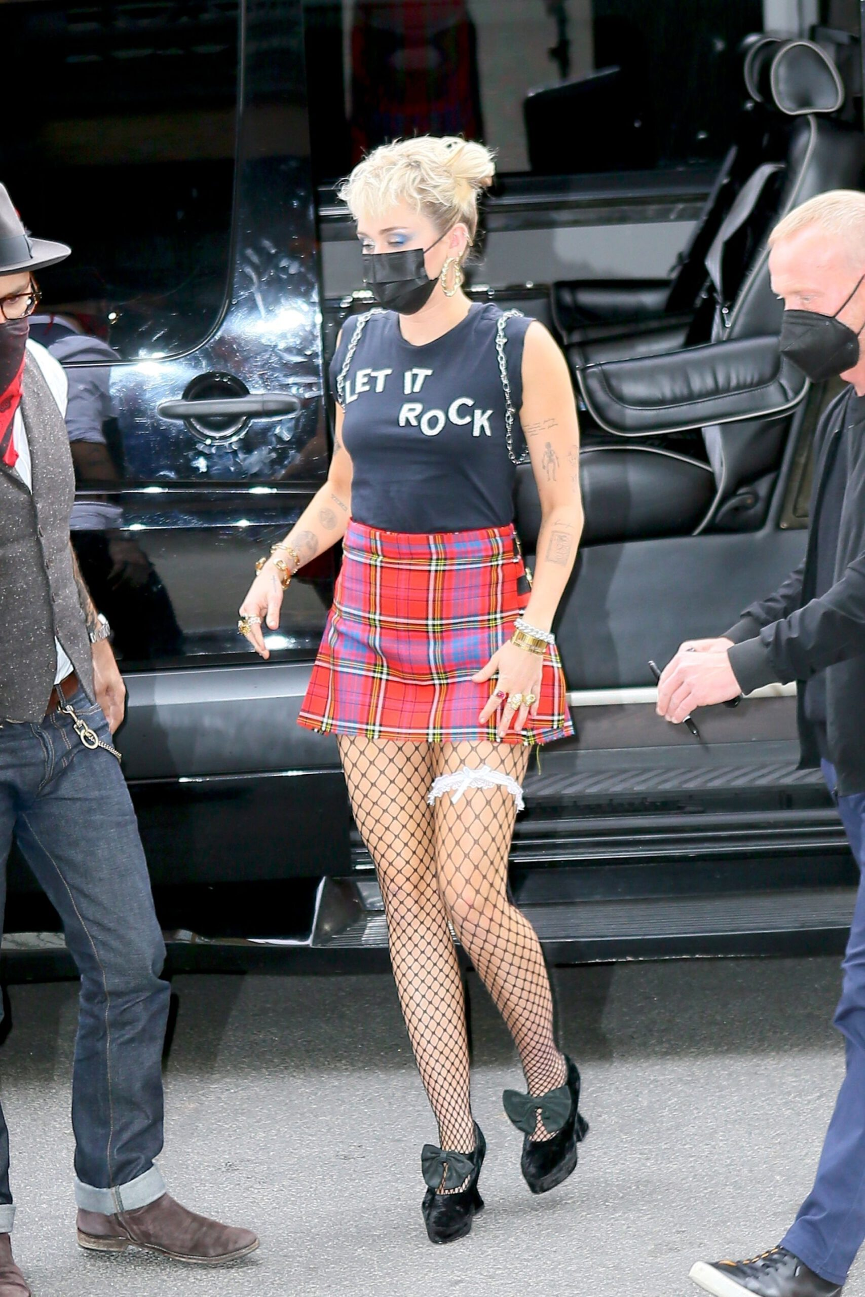 Miley Cyrus Sexy Mini Skirt