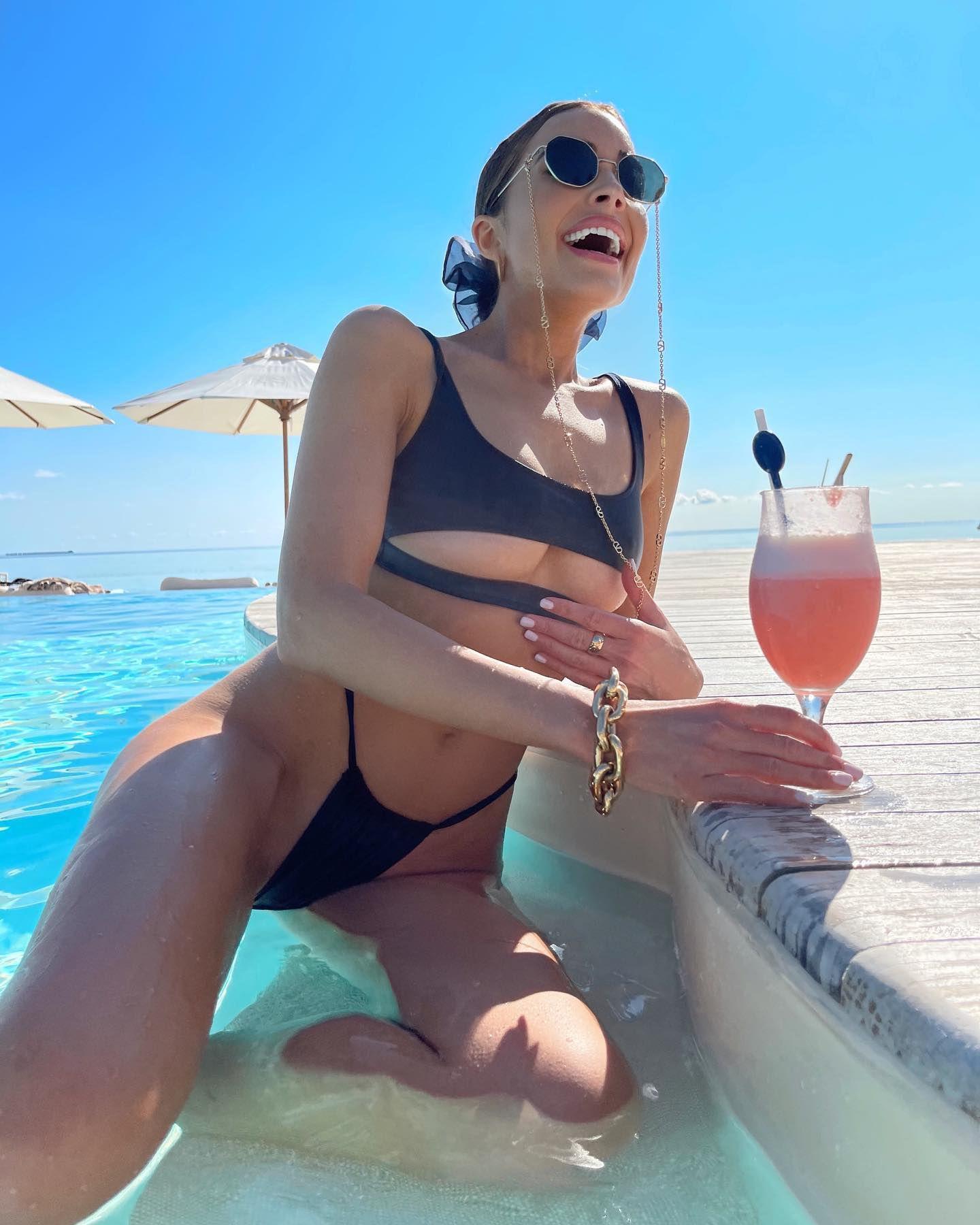 Olivia Culpo In Tiny Bikini