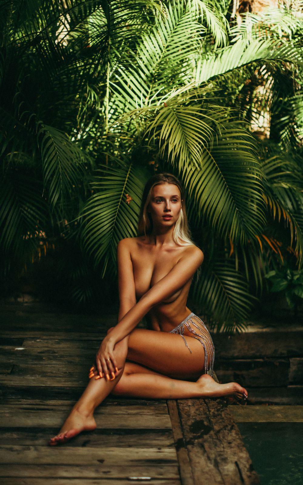 Polina Malinovskaya Naked