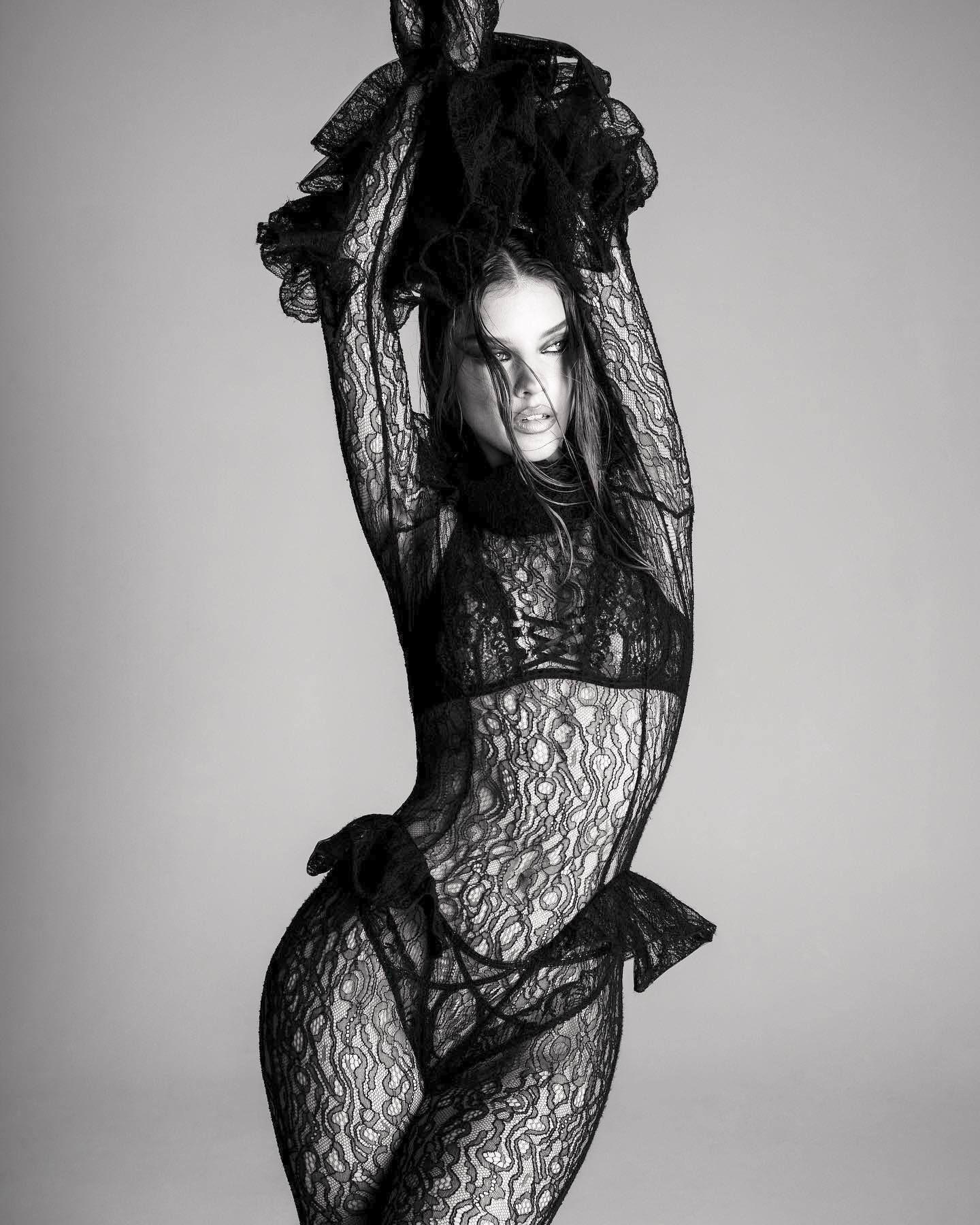 Barbara Palvin Gorgeous Photos