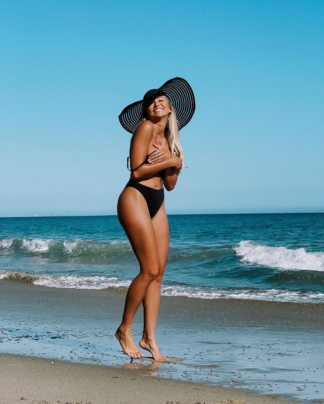 Khloe Terae Beautiful In Bikini