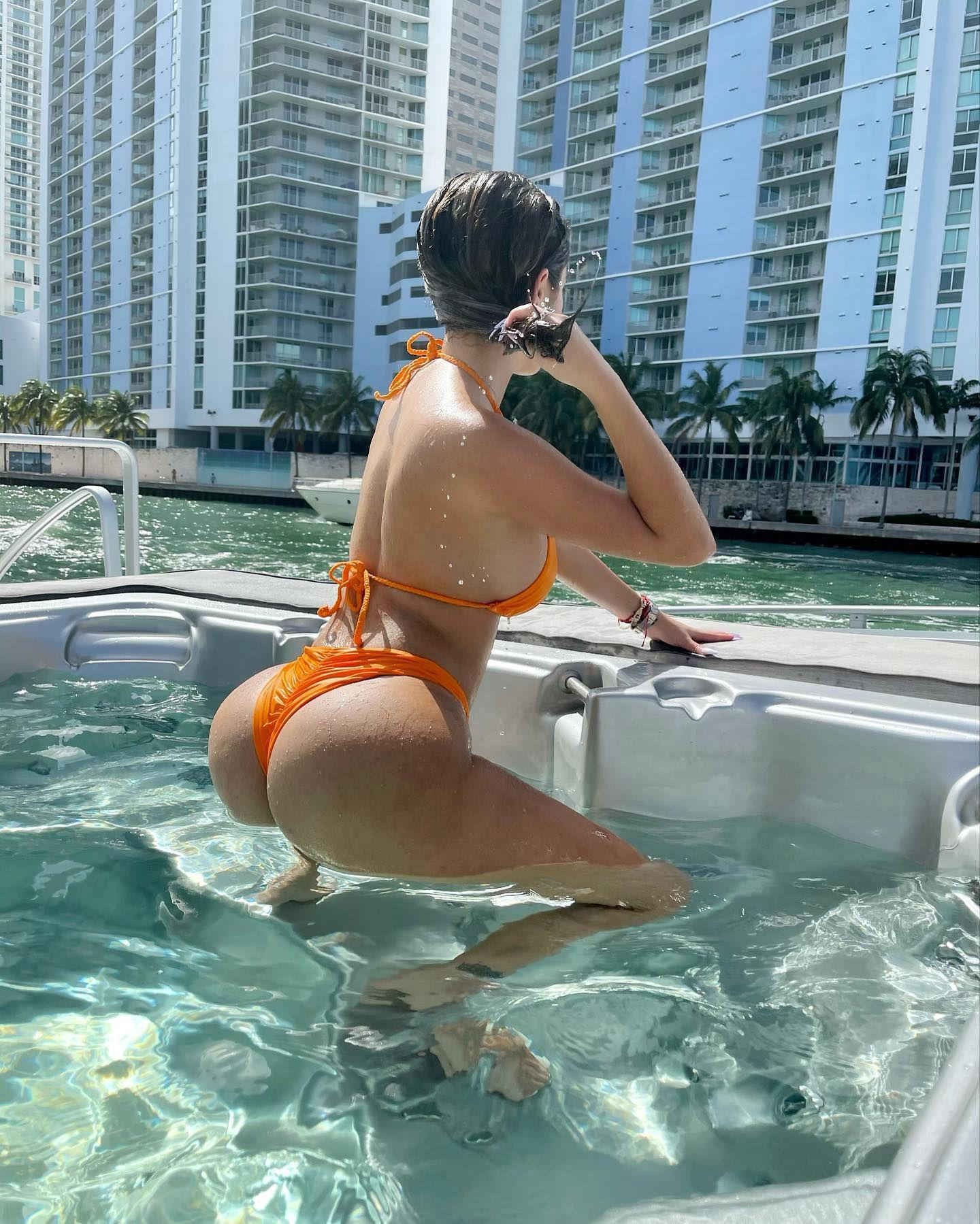 Malu Trevejo Sexy In Bikini