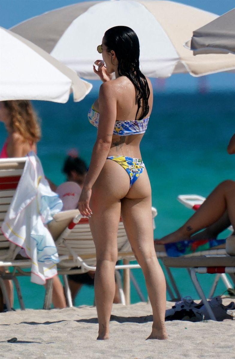 Paris Berelc In Bikini