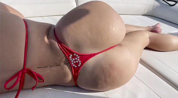 Bella Thorne – Gorgeous Big Ass in a Skimpy Thong Bikini (Video)