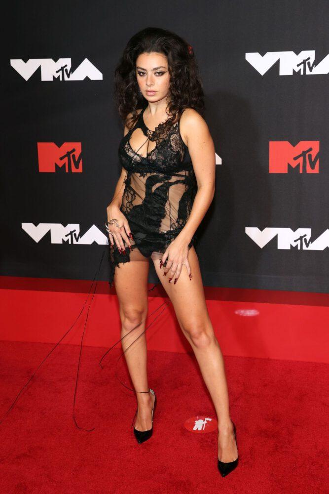 Charli Xcx Sexy Legs Ass