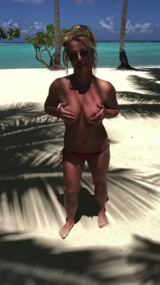 Britney Spears Topless