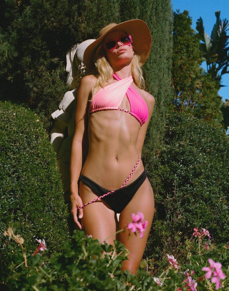 Frida Aasen Sexy Bikini Photos