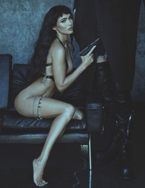 Megan Fox Sexy Legs And Boobs
