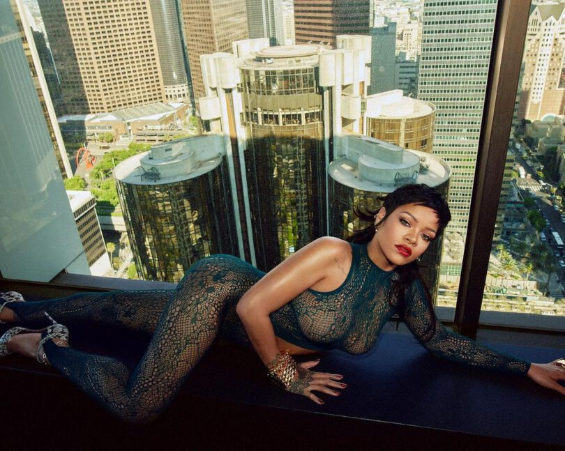 Rihanna Sexy Big Boobs