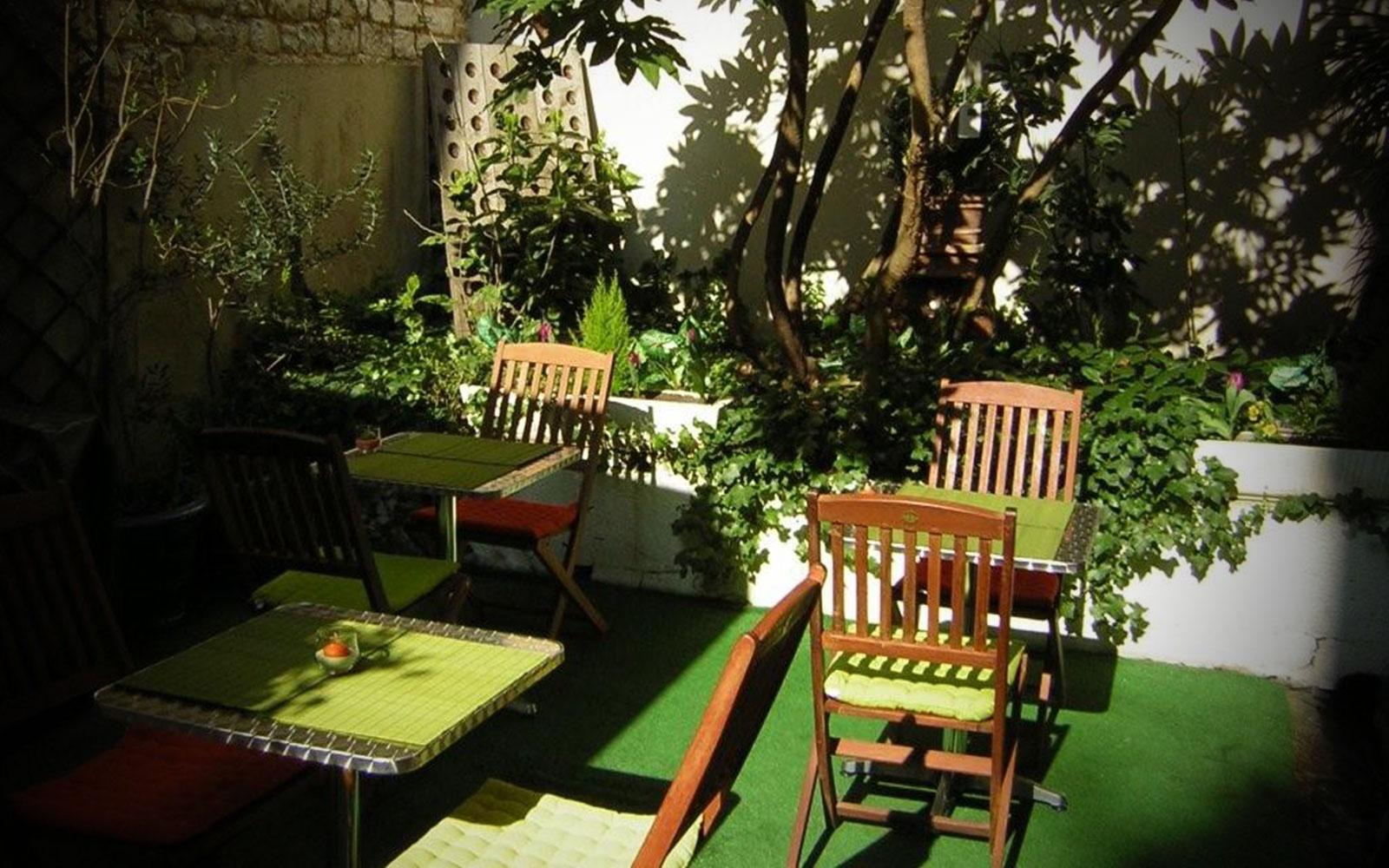Hotel Azur En Plein Coeur Du Centre Ville De Reims Hotel