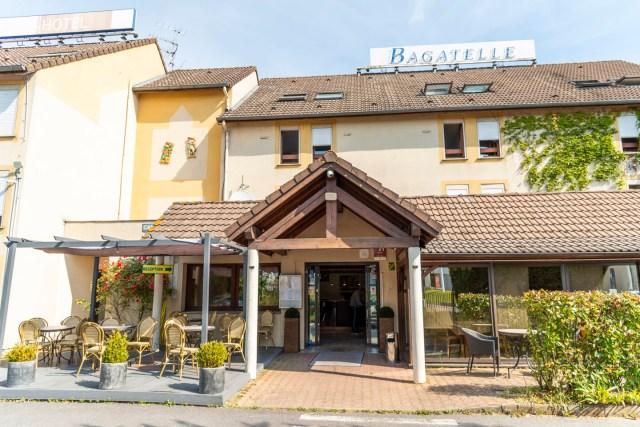 Hôtel Bagatelle à Goussainville - Façade