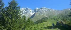 [:it]La Presolana, vista dall'imbocco del sentiero per la cima del Monte Visolo[:]