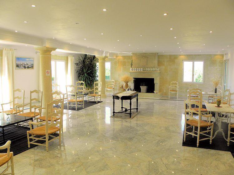 Htel Restaurant La Bergerie Joucas En Luberon Provence