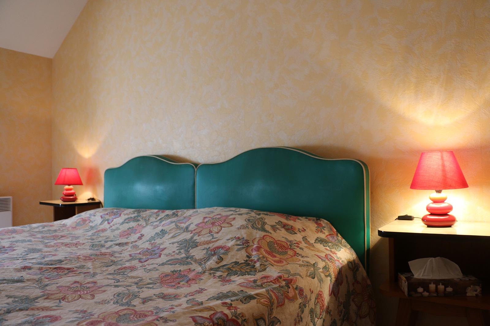 chambre double salle de bain baignoire Salle de bains – Chambre double – Maisonnette de l'hôtel du Nord – Restaurant Saint-Georges