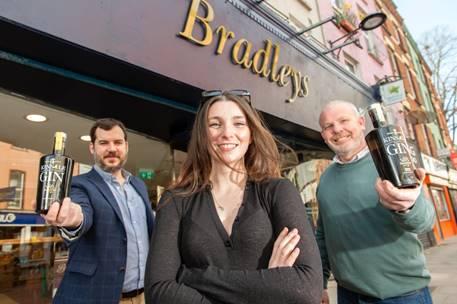 Milestone for Kinsale Gin – 100,000th bottle sold at Bradley's