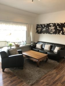Wohnzimmer des Apartments im Eibenkamp 25 in Mülheim