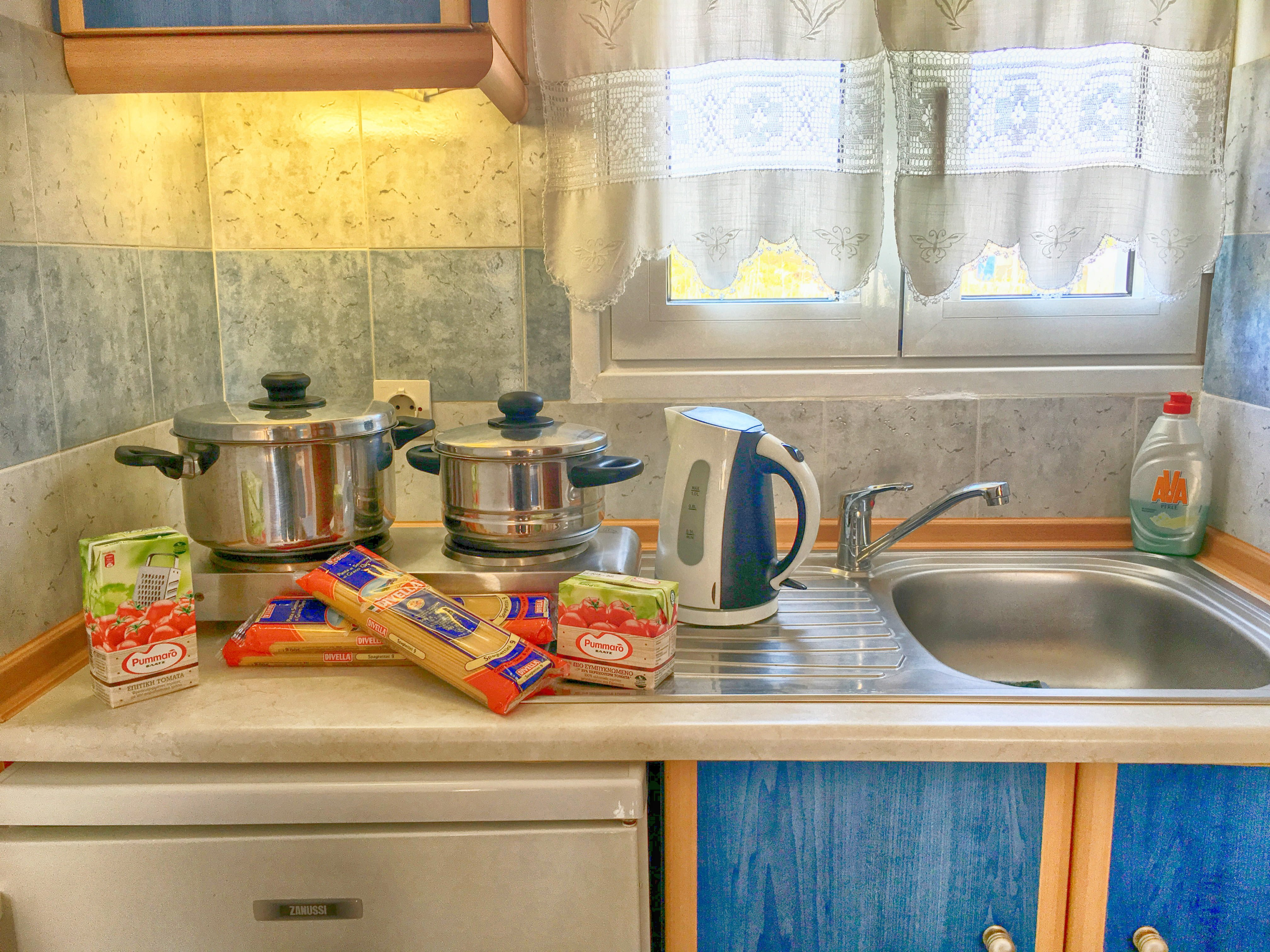 Studio for 2 or 3 pax with kitchenette - Helena Hotel Ios Cyclades Greece