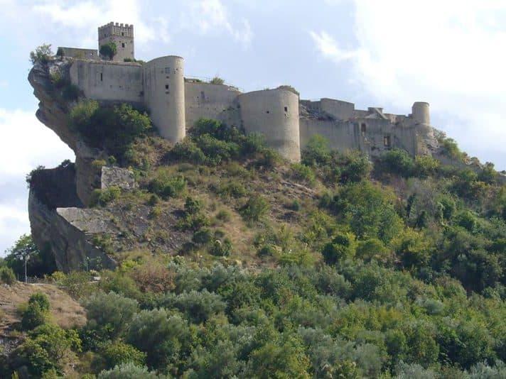 castello location di in nome della rosa