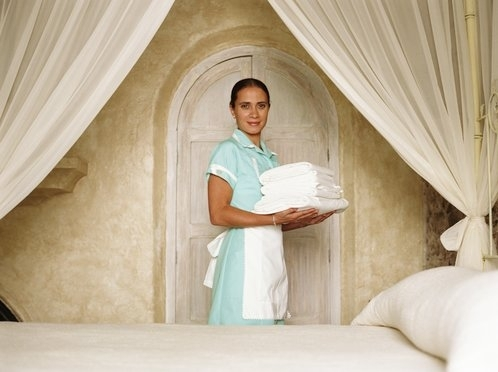https://i2.wp.com/www.hotelluxurycollection.com/persistent/catalogue_images/products/Getty%20Linen%20and%20maid.JPG
