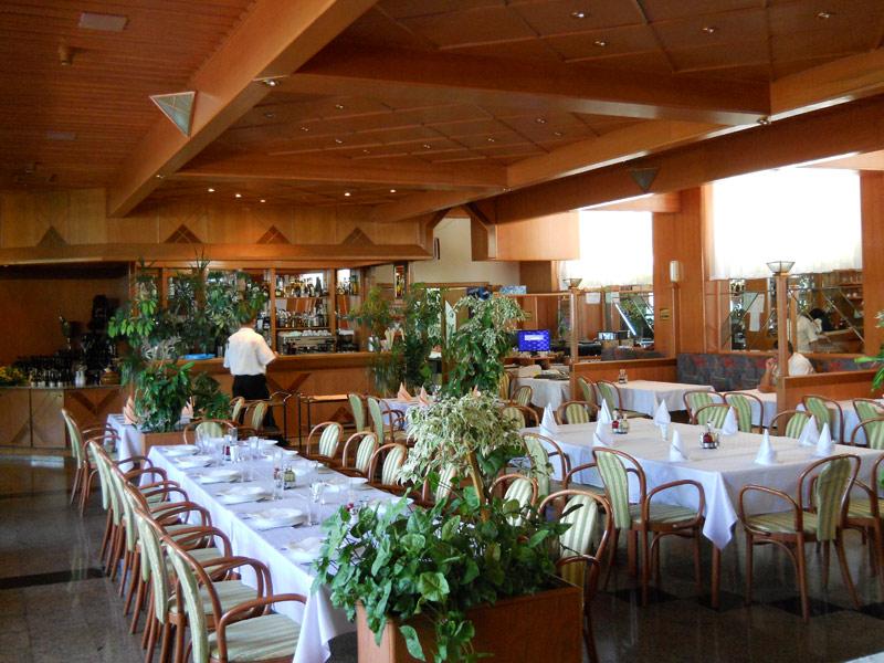 restoran-hotel-molika 3