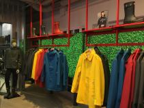 Capas de chvas masculinas na loja da Hunter em Londres