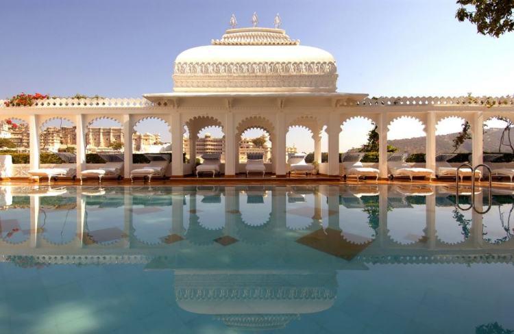 piscina do palácio flotante do rajastão