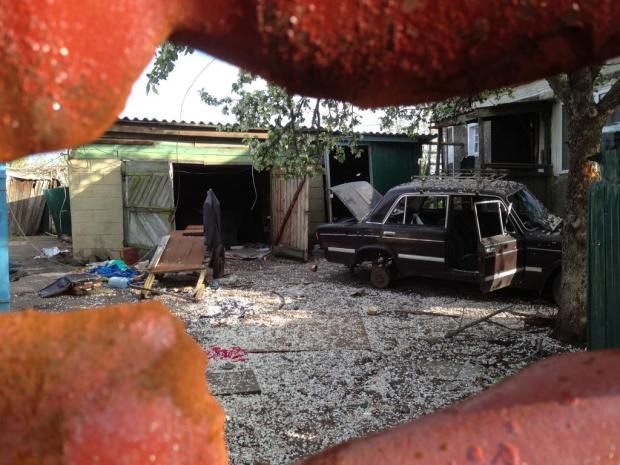Vivienda destruida en la ciudad de Donetskly. Murió la familia entera. Foto: Vicent Montagud.