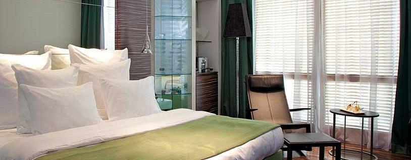 Camera Romeo hotel design Napoli