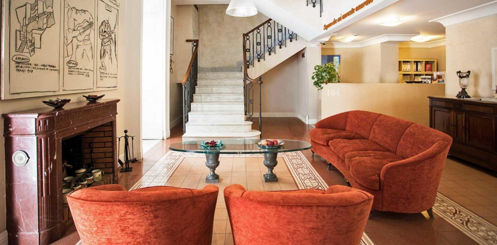 Lobby dell'hotel Costantinopoli 104 (centro storico di Napoli)
