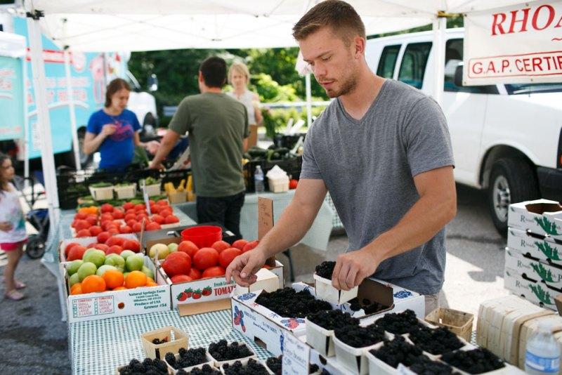 ca-e-farmersmarket-bexley01
