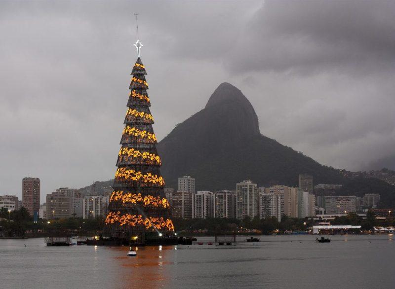 Large-Christmas-Tree-Rio-de-Janeiro
